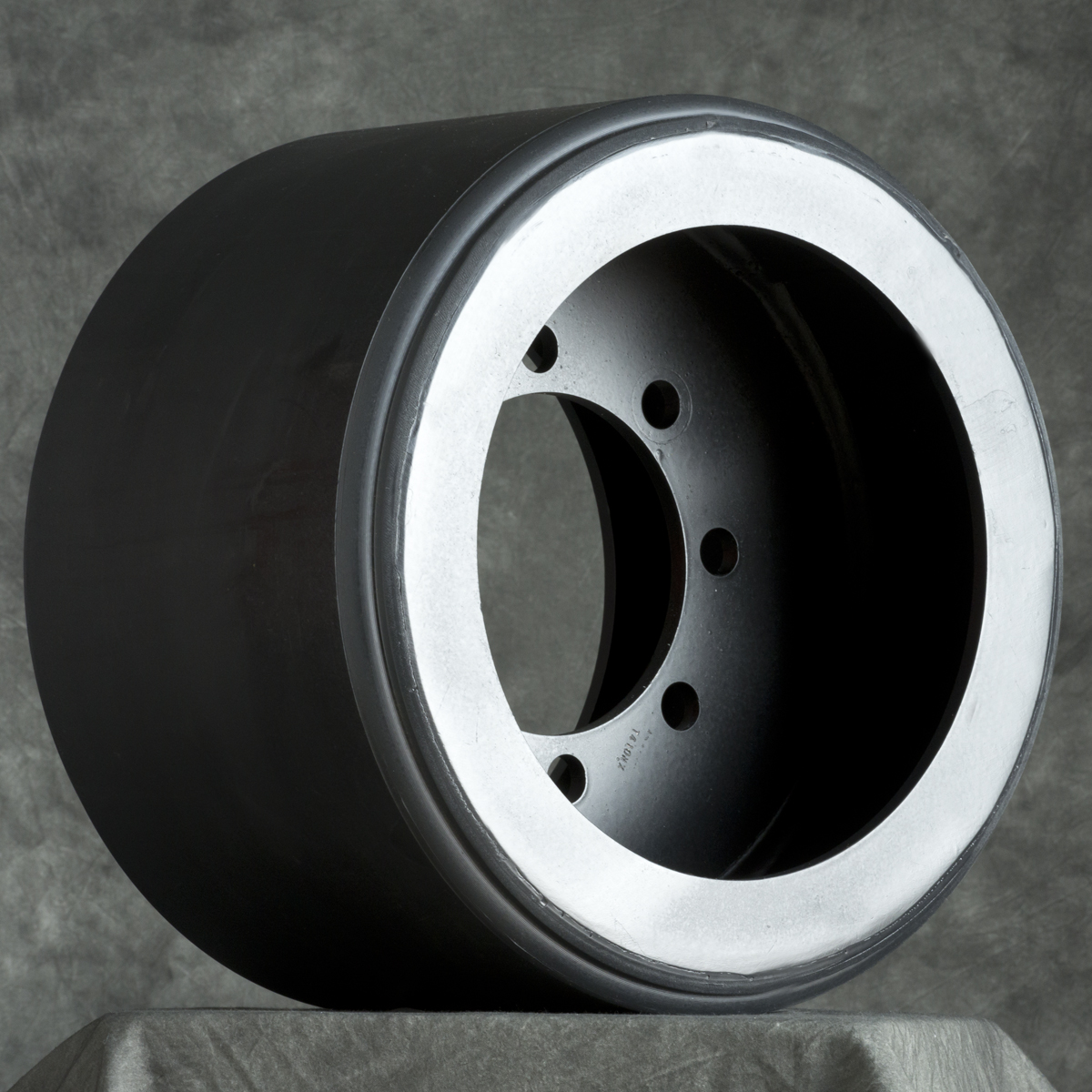 "Agco MT700/MT800 ""Wide"" Mid Roller Wheel"